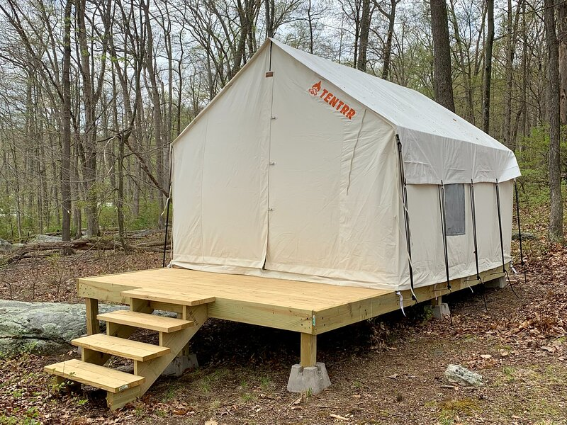Tentrr State Park Site - NY Harriman State Park - Tucked Away at Silver Mine, holiday rental in Cornwall on Hudson
