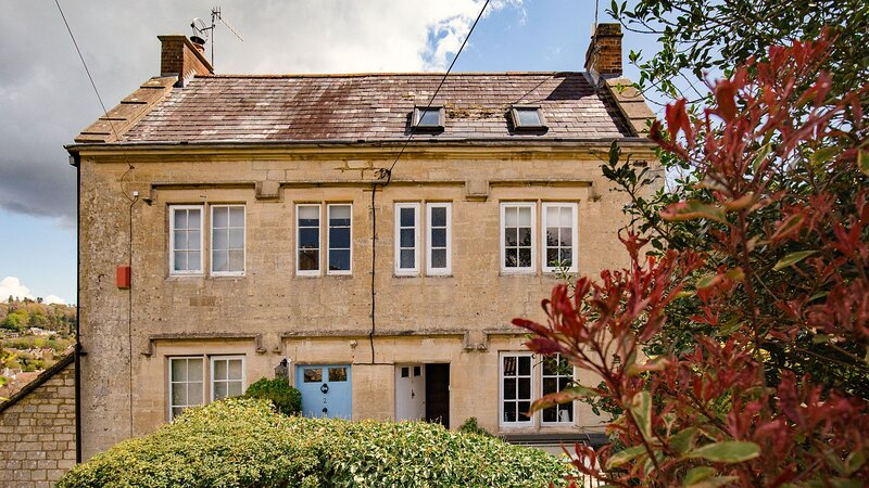 Walkley Wood Cottage, Nailsworth, Cotswolds - sleeps 4 guests  in 2 bedrooms, holiday rental in Stroud