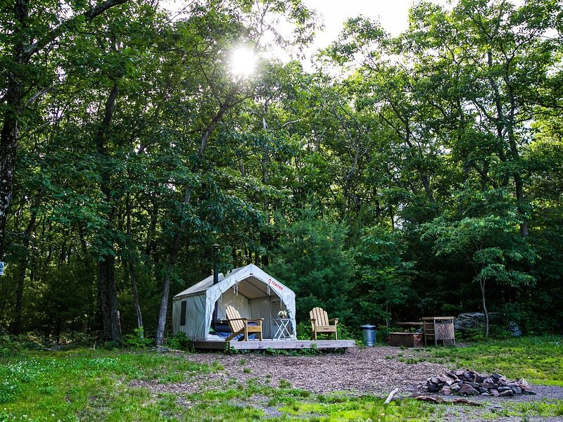 Tentrr State Park Site - Lake Taghkanic State Park Site E, holiday rental in Ancram