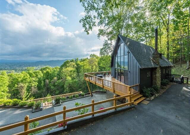 Hudson's Peak on Leisure Mtn | Beautiful 3 bedroom 3.5 bath with a VIEW!!, location de vacances à Alexander