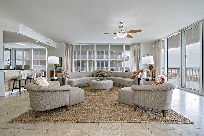 Luxury Gulf Front Condo ~ Low Floor ~ Private Pier ~ Sleeps up to 9 ~ Mediterran, holiday rental in Perdido Key