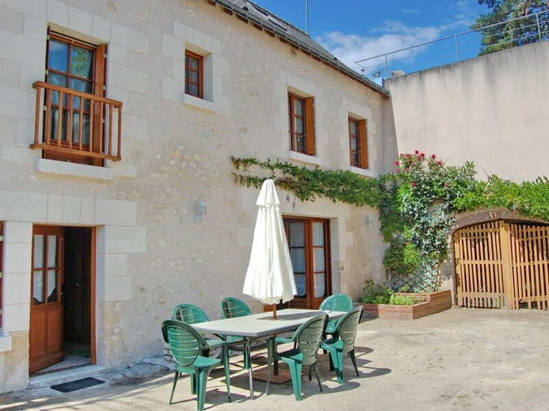 Les Grisses, holiday rental in Cangey