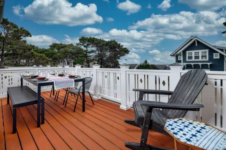 Stunning Coastal Getaway, All Bedrooms With En-suite Bathrooms, Hot Tub, BBQ, Se, alquiler de vacaciones en Depoe Bay