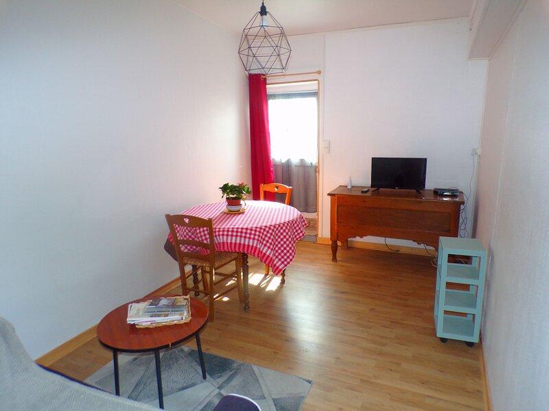 Gîte la petite maison, location de vacances à Vailly-sur-Sauldre