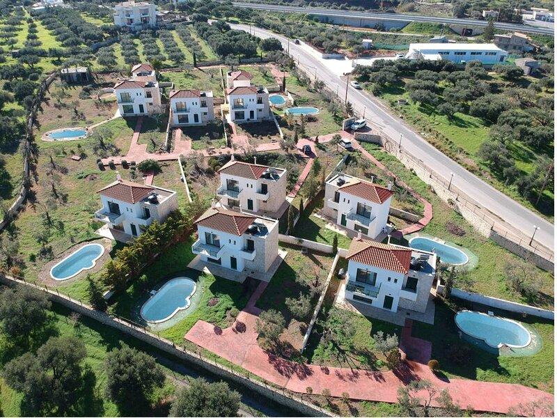 Sea View 3-BDR Private Pool Villa Katrin, holiday rental in Epano Gouves