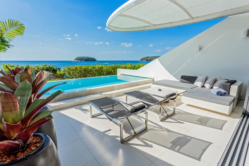 Kata Villa Sleeps 2 with Pool and Air Con - 5812044, casa vacanza a Kata Noi Beach