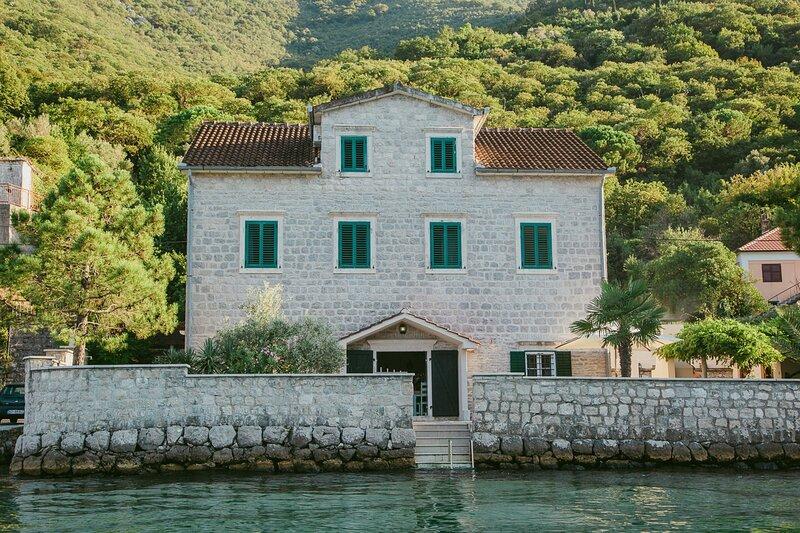 Donja Kostanjica Villa Sleeps 10 - 5822917, holiday rental in Kamenari
