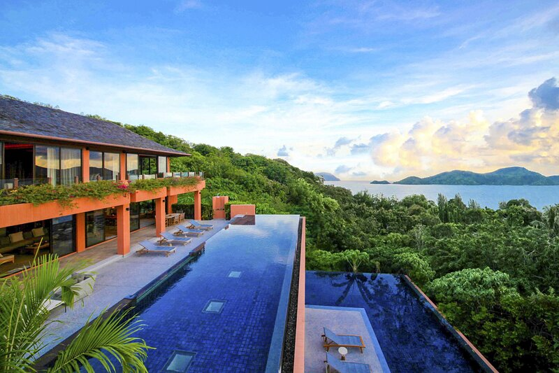 Ban Laem Phan Wa Villa Sleeps 9 with Pool and Air Con - 5821130, holiday rental in Wichit