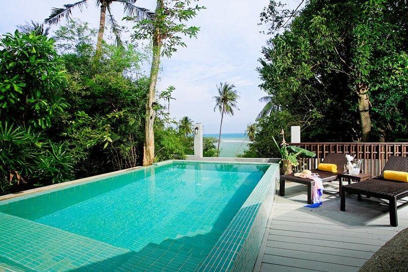Ban Pak Han Villa Sleeps 4 with Pool and Air Con - 5822912, vacation rental in Laem Set