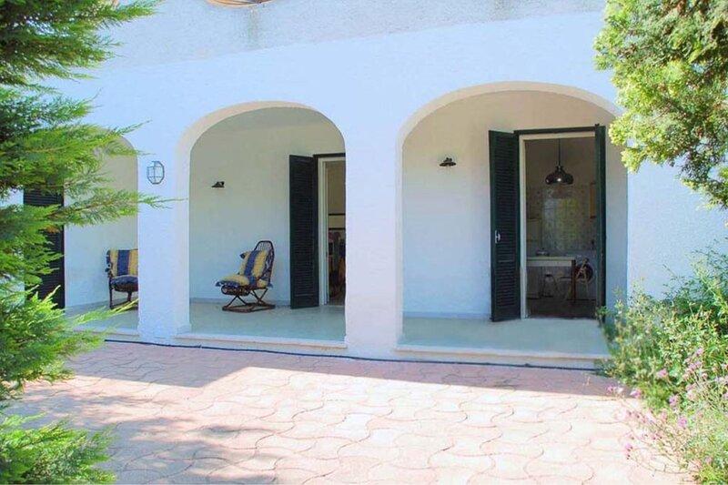 Villino Alisea | spazio esterno, vicino al mare, a/c, holiday rental in Scala di Furno