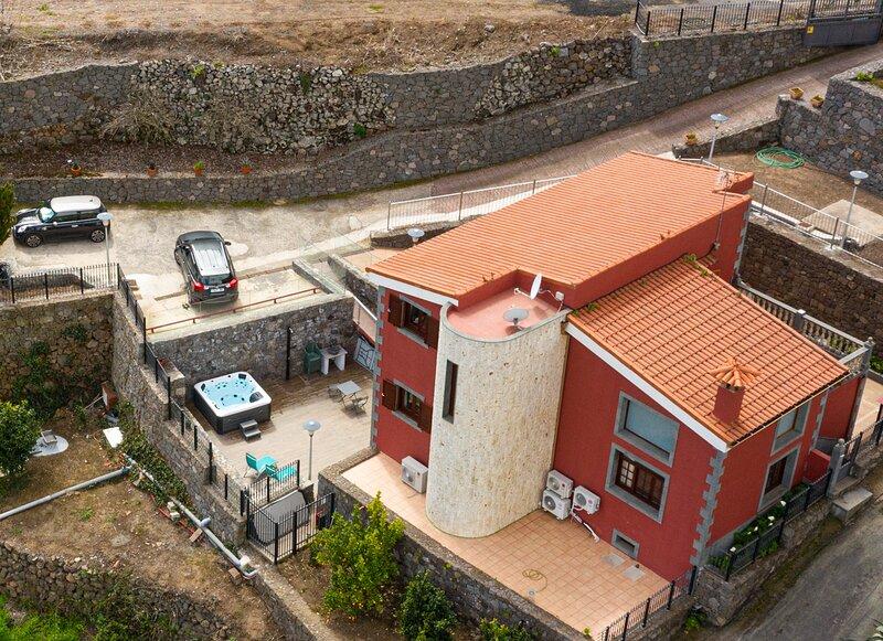 FINCA LAGUNETAS, holiday rental in Playa Quemada