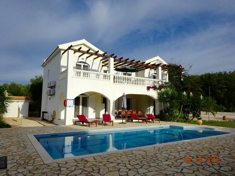 Villa Diana Spacious 5 bed Villa with Private Pool, holiday rental in Ioannina Region