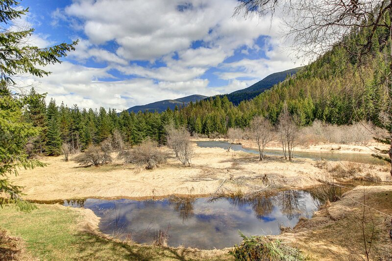 NEW! Angler's Dream: Remote Escape on Bull River!, alquiler vacacional en Clark Fork