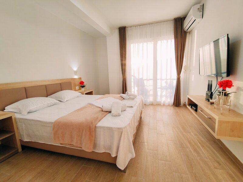 Sea view Belga Premium Apartments - Studio with Sea View, holiday rental in Ulcinj Municipality