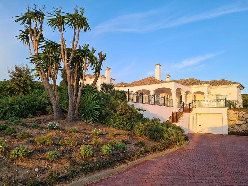 Villa Grazalema en Arcos Gardens, location de vacances à Arcos de la Frontera