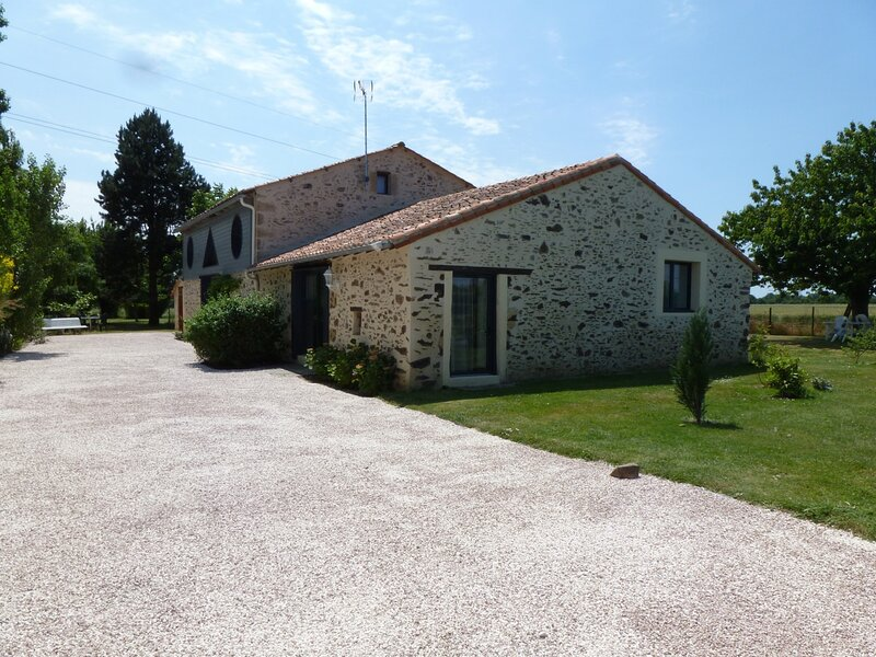 Gîte rural Bellevue 2-5 places au cœur des vignes du Layon, vacation rental in Chavagnes