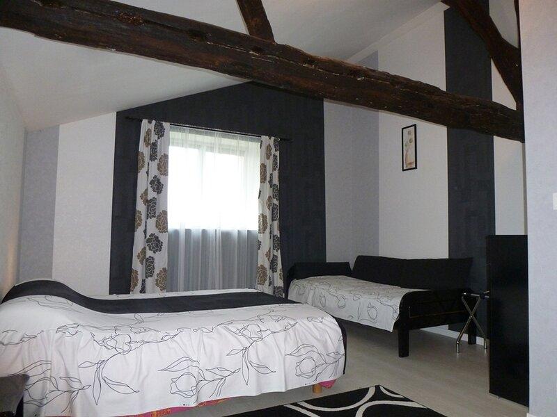 Chambres d'hôtes en suite familiale 2-5 personnes, vacation rental in Chavagnes