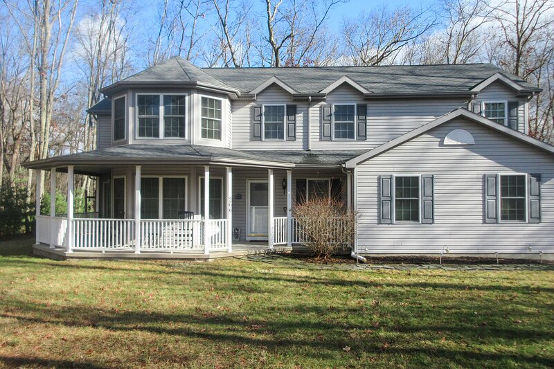NEW! Waterfront Poconos Home w/ Dock & Game Room!, casa vacanza a White Haven