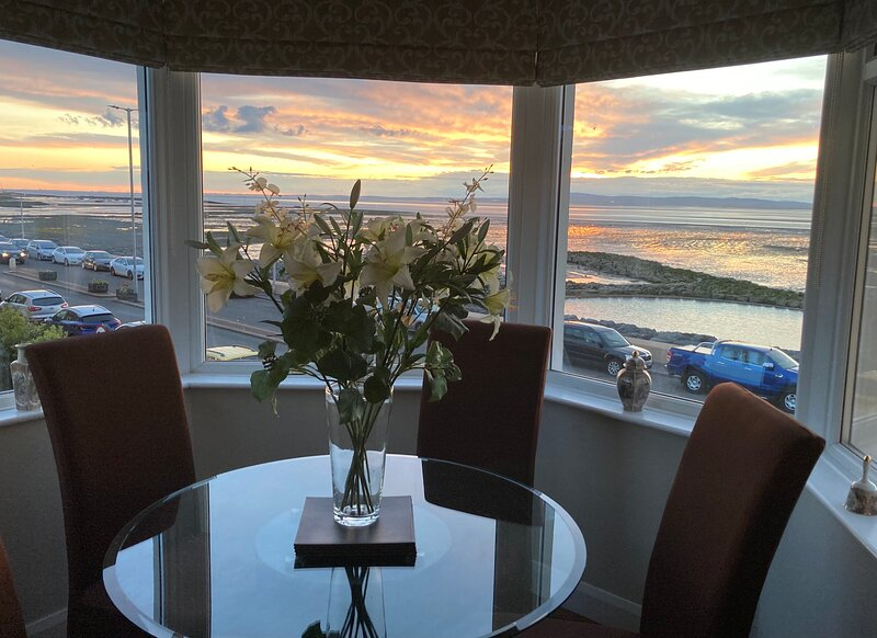 Bay View Apartment, holiday rental in Bolton le Sands