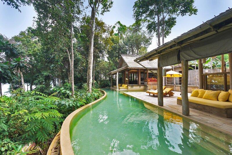 Hat Yai Villa Sleeps 4 with Pool and Air Con - 5793680, alquiler de vacaciones en Koh Mak