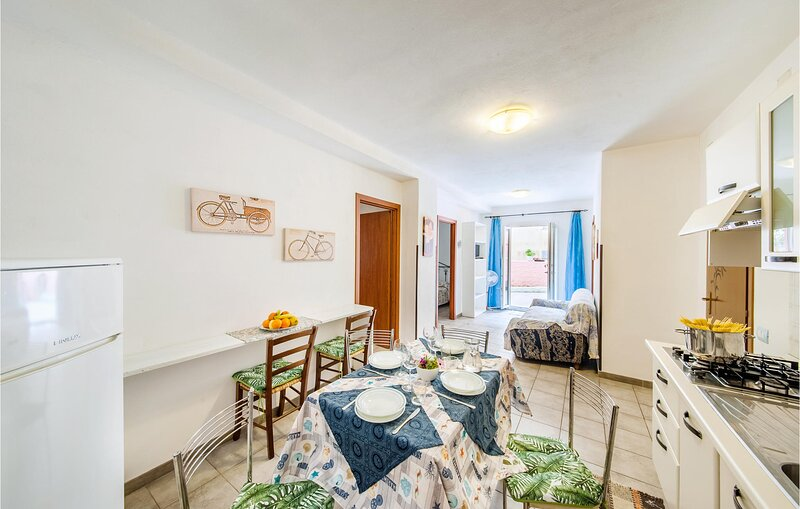 Nice apartment in La Maddalena with 3 Bedrooms (IGG210) – semesterbostad i Moneta