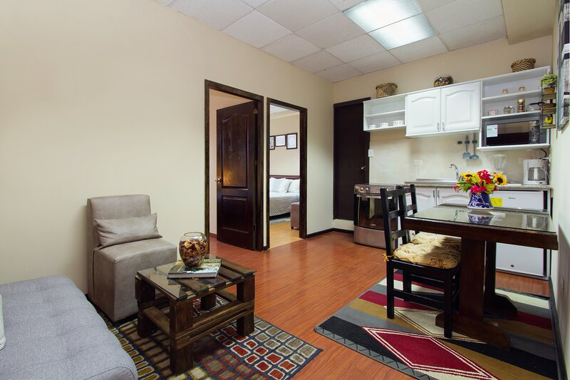 MINI APARTMENT FOR 4-VIEW-FREE WI-FI CABLE-FULLY EQUIPPED:LIVING-DINING-KITCHEN, holiday rental in Calacali