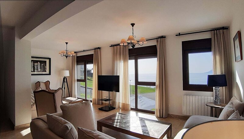 House - 6 Bedrooms with WiFi and Sea views - 109462, vacation rental in Porto do Son