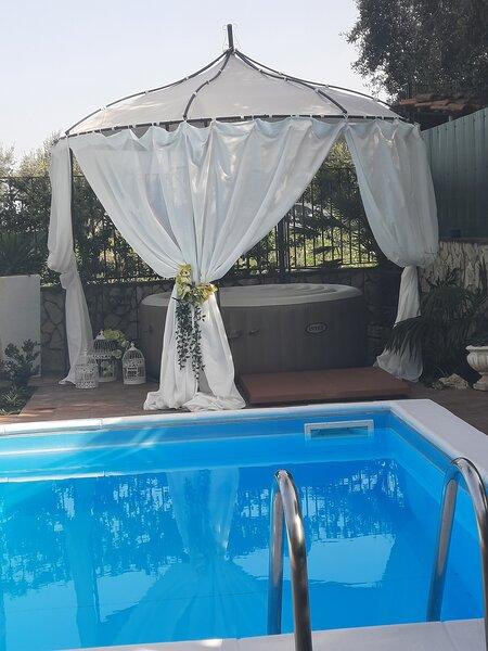 Villa Euthalia con piscina privata esclusiva, tra Etna e Taormina, alquiler vacacional en Riposto
