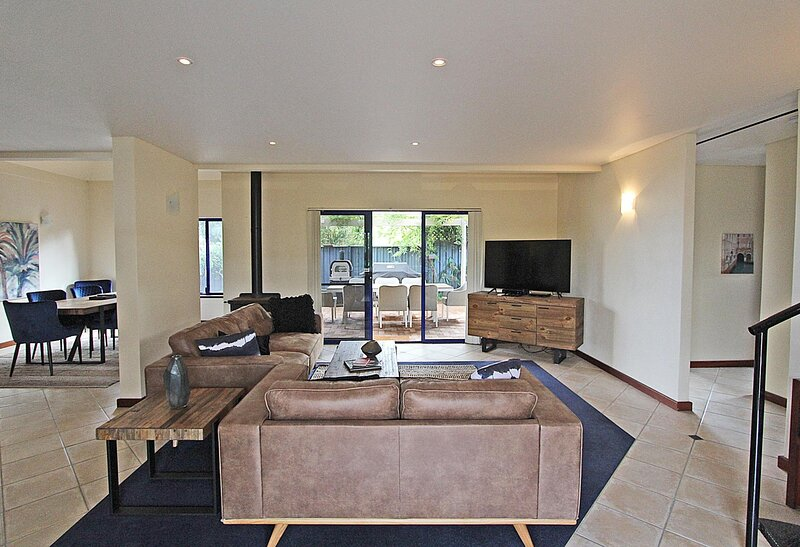 Sidney Laine - well appointed town oasis, holiday rental in Witchcliffe