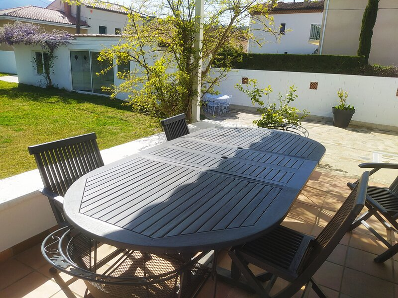 Nice house with mountain view, Ferienwohnung in Ceret