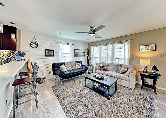 Stunning Remodel! Coastal Gem with Community Pool & Deck | 3 Miles to Beach, vacation rental in Rockport