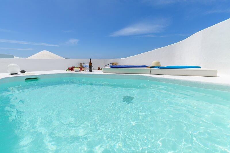 AquaBlanca Suite Pool Deluxe, vacation rental in Punta Mujeres
