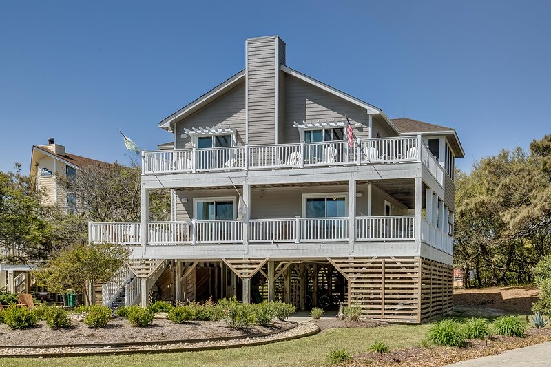 One Grand Whim | 698 ft from the Beach | Community Pool, Hot Tub | Corolla, vakantiewoning in Corolla