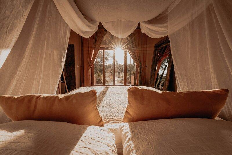 The Lemon Lodge - Ziggurat Suite, holiday rental in Rogil