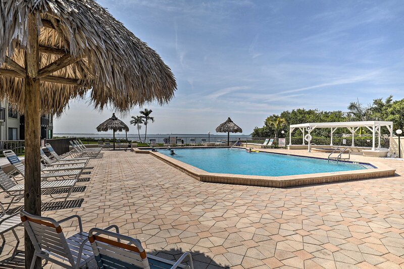 NEW! Resort Retreat w/ Private Porch + Water Views, vacation rental in Tierra Verde