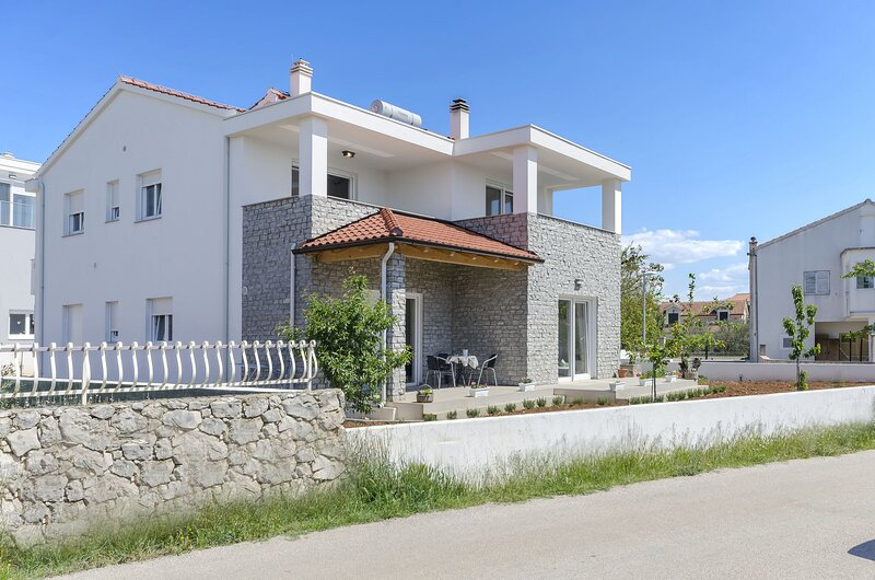 Apartments Endless summer, holiday rental in Srima