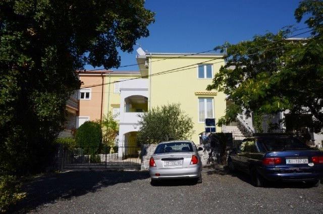 Apartments and Room Slavica, holiday rental in Kraljevica