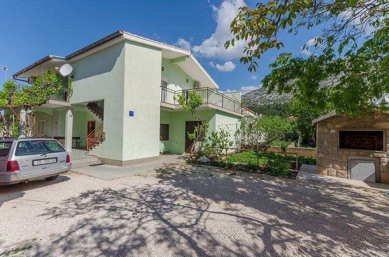 Apartments Sklopina, alquiler vacacional en Starigrad-Paklenica