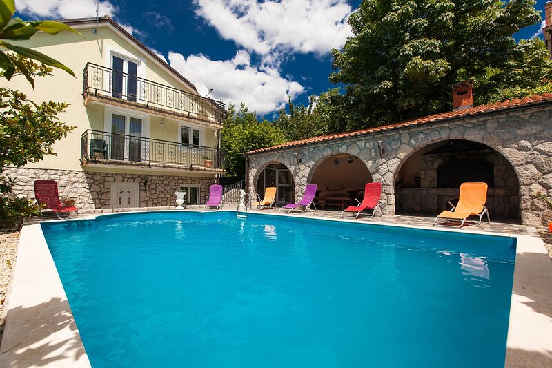Villa NATURA, holiday rental in Grizane-Belgrad