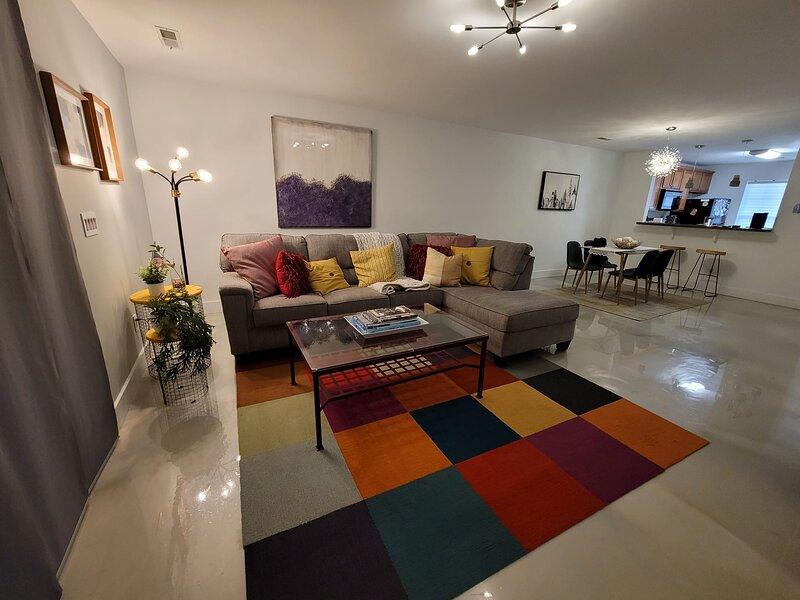 Stylish - Comfy N. Charleston Townhome, alquiler de vacaciones en Ridgeville