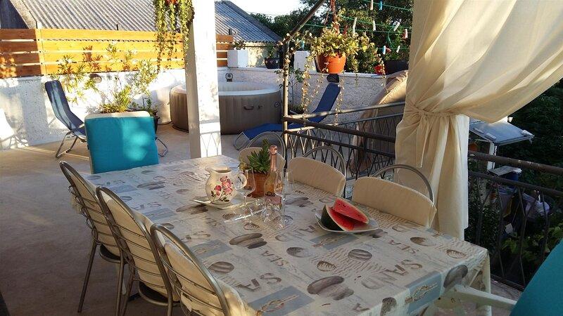 Apartments Tina, holiday rental in Novi Vinodolski