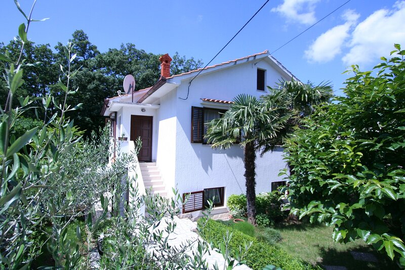 Apartments POROPAT, holiday rental in Soline