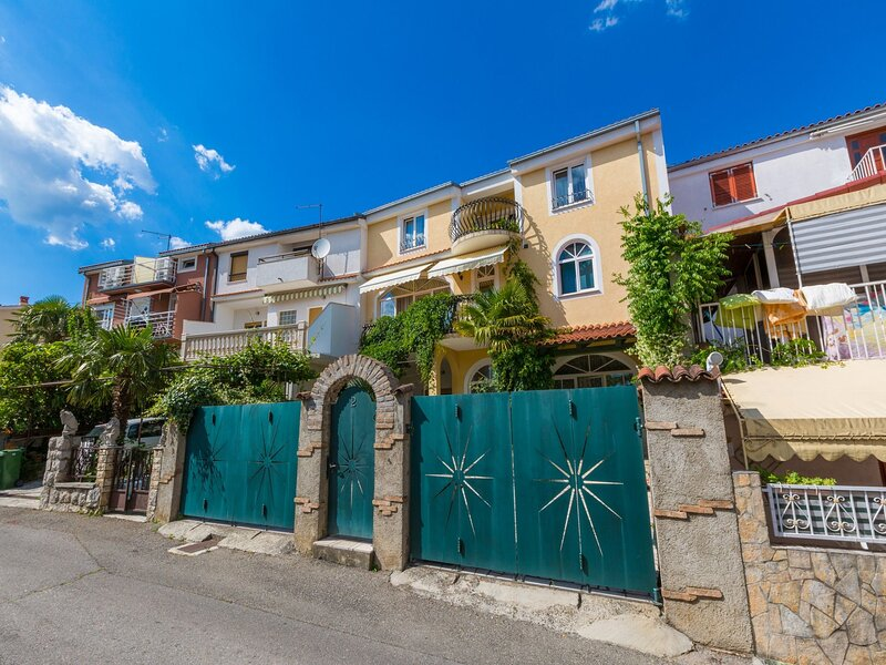 Apartments Gianni, holiday rental in Crikvenica