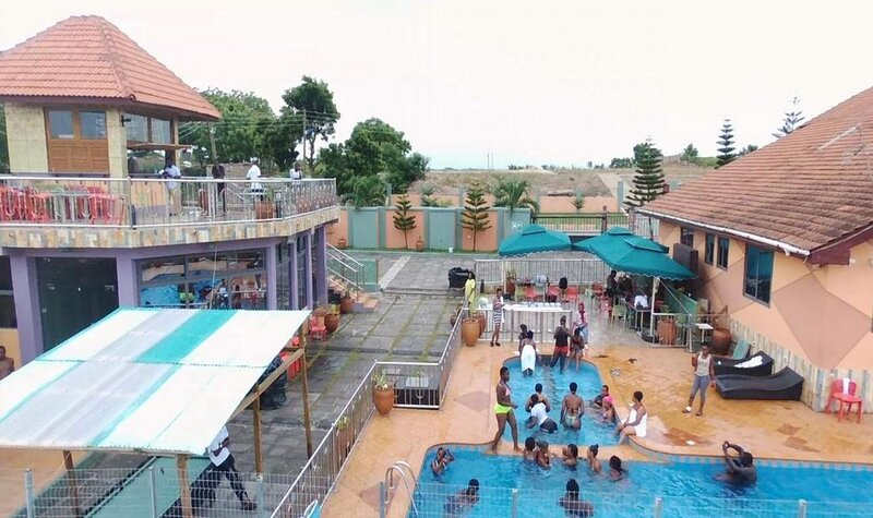 Triple Hill Hotel -Family Suite, holiday rental in Central Region