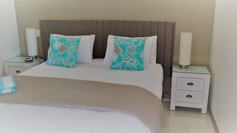 Absolute Stunning Water views Resort on Esplanade in the  City, location de vacances à Cairns