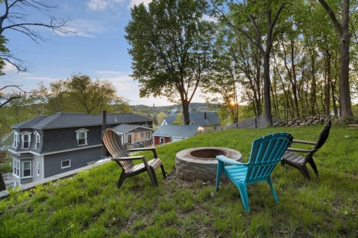 Ames for Fun: Close to beaches, great outdoor parks, artist studios; fire pit, f, aluguéis de temporada em West Newbury