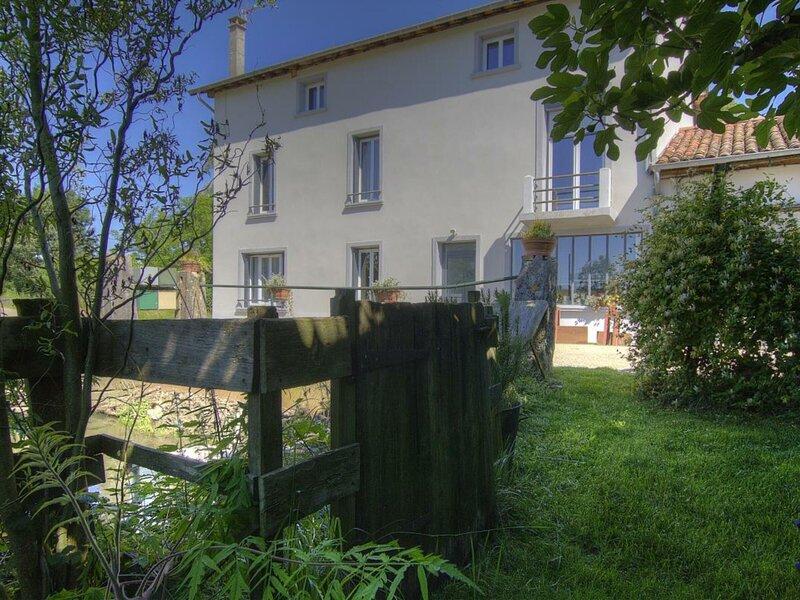 Côté Moulin, holiday rental in Saint-Benigne