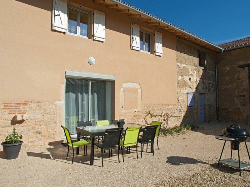 Tournesol, holiday rental in Saint-Benigne