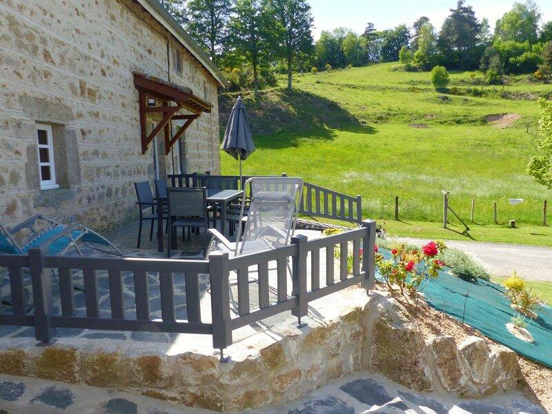 Le Vallon, holiday rental in Saint-Julien-d'Ance