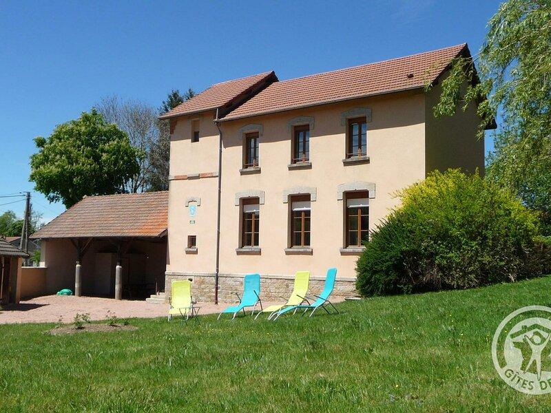 Les Biefs, holiday rental in Le Mayet-de-Montagne